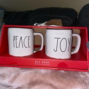 NWT Rae Dunn Christmas Peace Joy Mugs